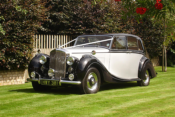 1947_bentley_mk_vi_mulliner_de_gournay_wedding_cars